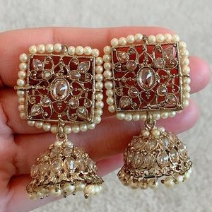 Earrings with stones and beads